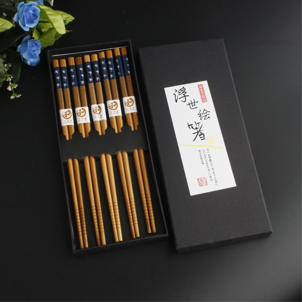 5PCS/Pack Bamboo Chopstick Snow Chopsticks With Gift Box Tableware Suit Chinese Food Dietary Tools