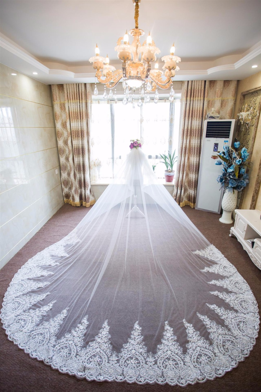 3 Meters Long Ivory Wedding Veils Cathedral Appliques On Train Luxury Bridal Vail with Comb Wedding Accessories velo