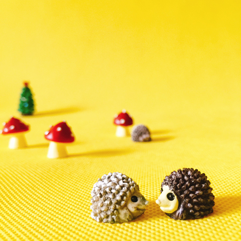 3 Pcs/hedgehogs/red dots mushroom/miniatures/lovely animals/fairy garden gnome/moss terrarium decor/crafts/diy supplies