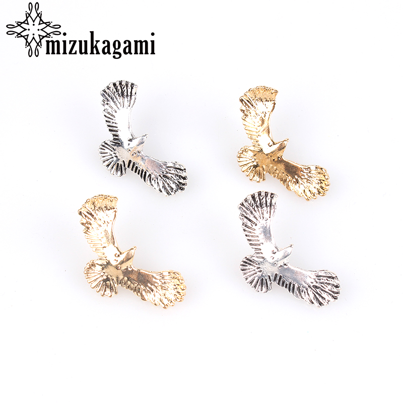 6pcs / lot 23 * 35mm Retro Zinc Alloy Bronze Eagle Dekorative CONCHO Knapper Charms Pendants For DIY Tilbehør Gratis frakt
