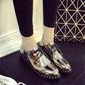 Couro pequena de couro Japanned primavera feminino dedo apontado vintage da moda rebite lacing sapatos de salto grosso preto