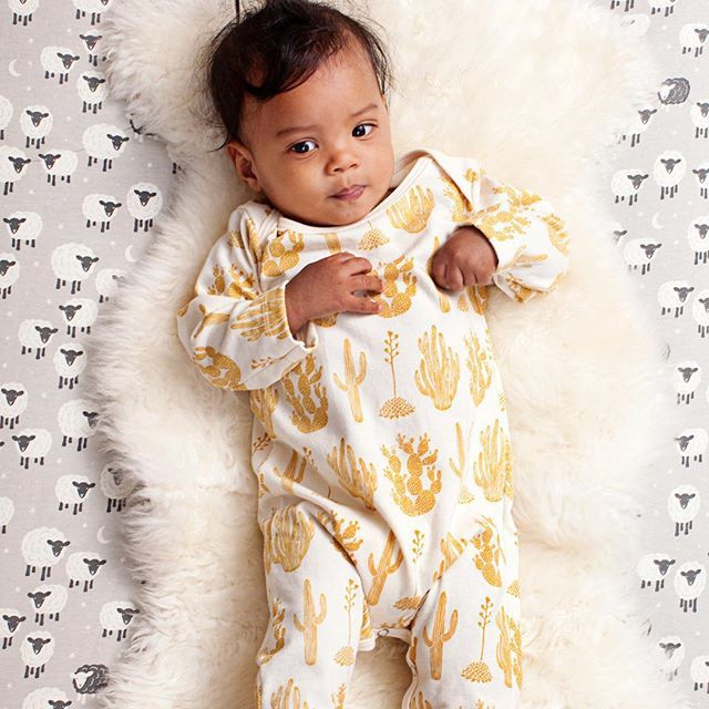 2017 Newborn Cute Golden Cactus Print Long Sleeve Jumpsuits Baby Infant Onesie Newborn Romper Baby Girl Winter Clothes Hot Sale