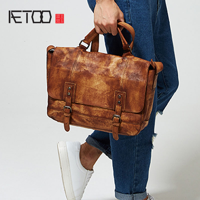 AETOO Men Retro made old imported leather shoulder bag handbag postman hand-wiping Europe and the United States  leather лампы освещение