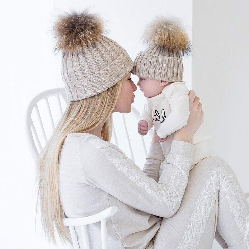 2 pièces/ensemble tricot chaud hiver mère enfants chapeaux famille correspondant tenues adulte bébé mère enfant tricot bonnet fourrure Pom chapeau Crochet casquette