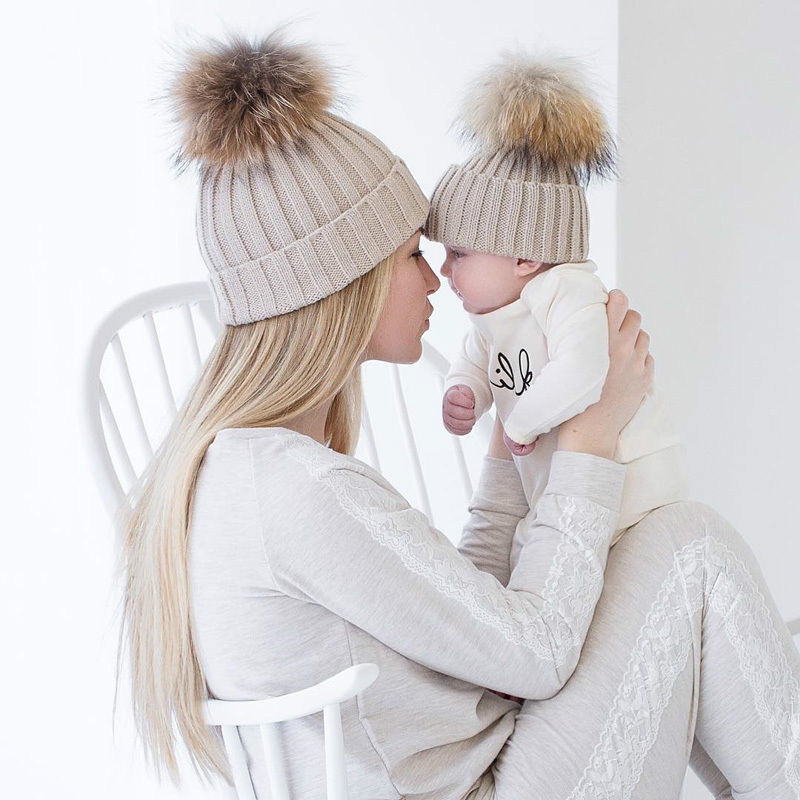 2pcs/set Knit Warm Winter Mother Kids Hats Family Matching Outfits Adult Baby Mother Child Knit Beanie Fur Pom Hat Crochet Cap