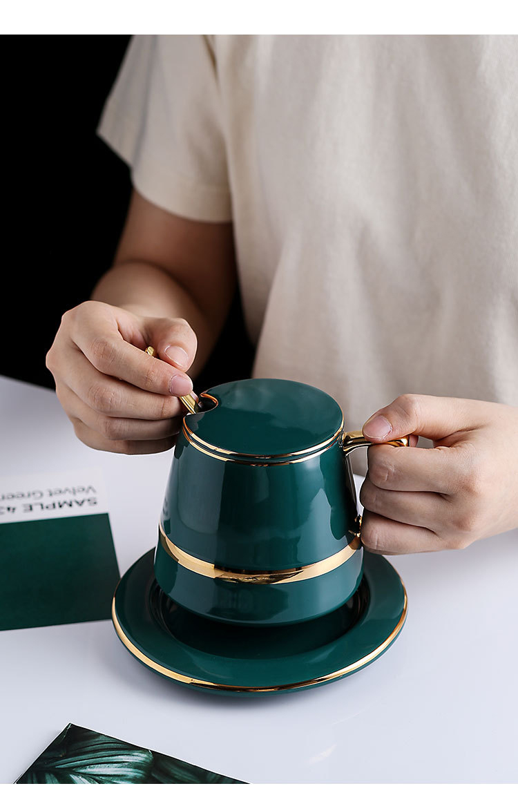 gold-cup-and-saucer_05