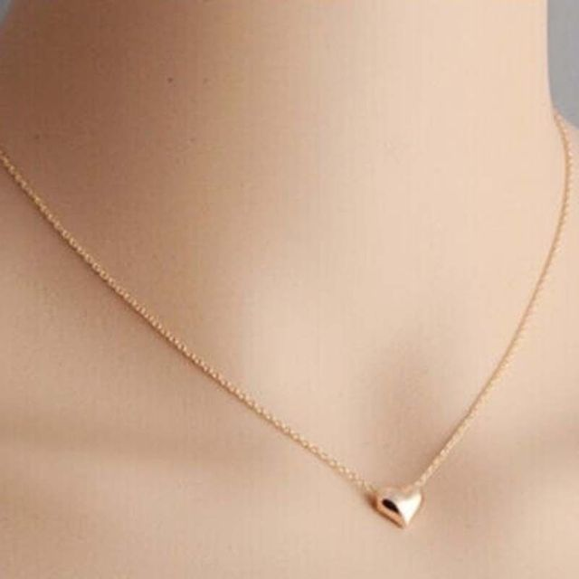 dbd3bbe63c4 2016 Small Simple Design Heart Love Necklace Women Short Chain Gold  Necklaces Pendants Collar for Girl Jewelry Accessories