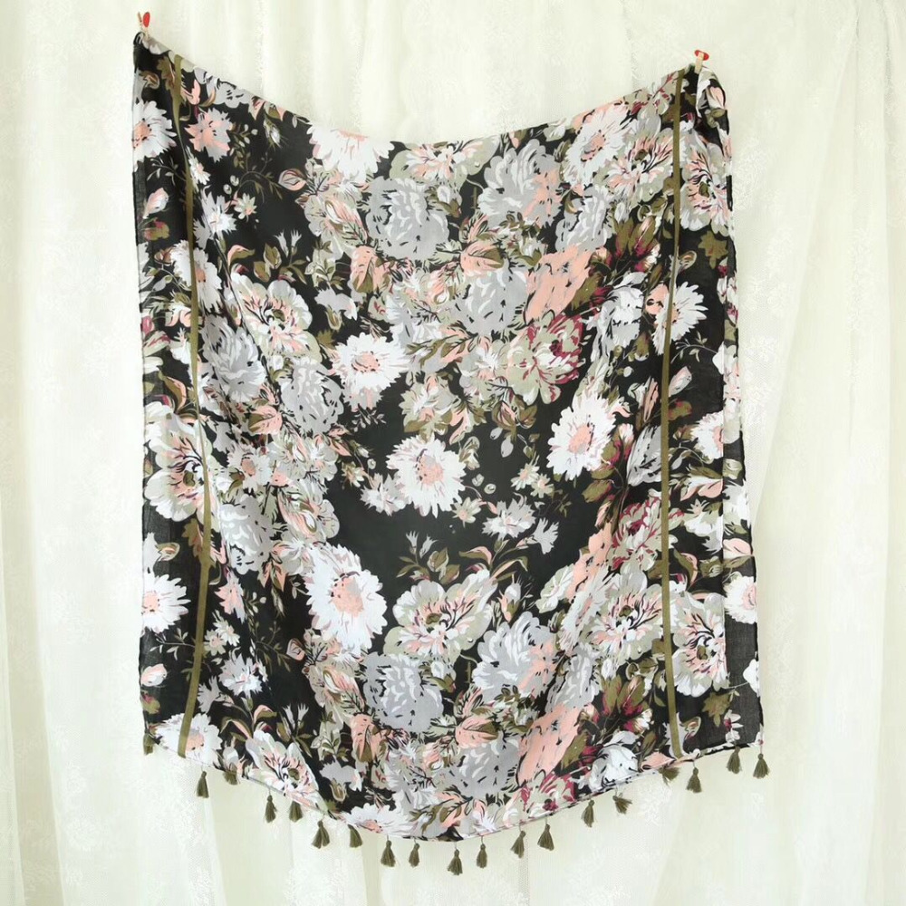 New arrival 2018 head scarf Spring style Muslim hijab flower print scarf shawls and scarves floral