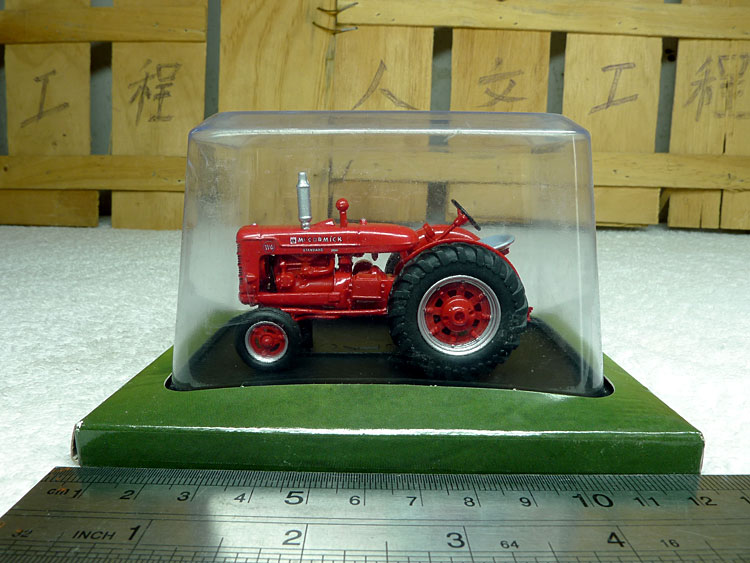 1:43 Scale Model IH MCCORMICK W6 tractor models Alloy model collection