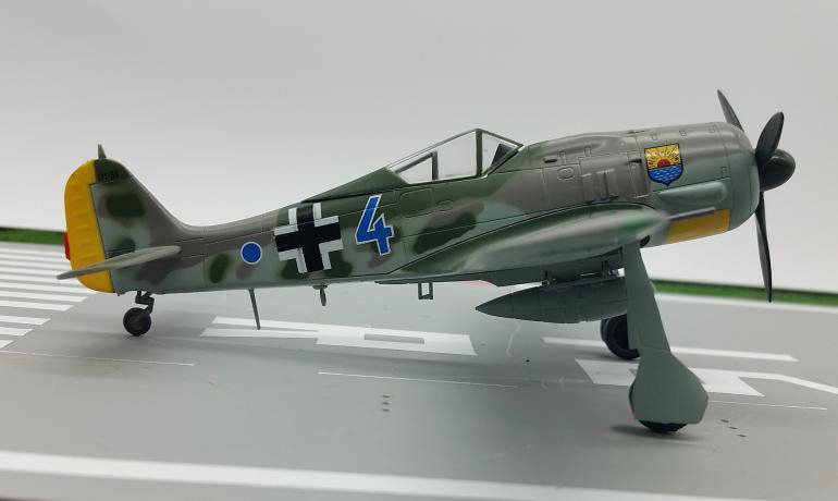 TRUMPETER 1:72 German FW 190 A-8 fighter model 36363 Favorite Model rare hobby master 1 72 hellcat f6f hellcat fighter model limited edition ha1103 favorite military model