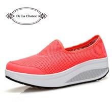 Белый черный Летние женские туфли повседневная обувь Модная обувь на платформе обувь на качающей танкетке женщина Обувь с дышащей сеткой женские вулканическая обувь