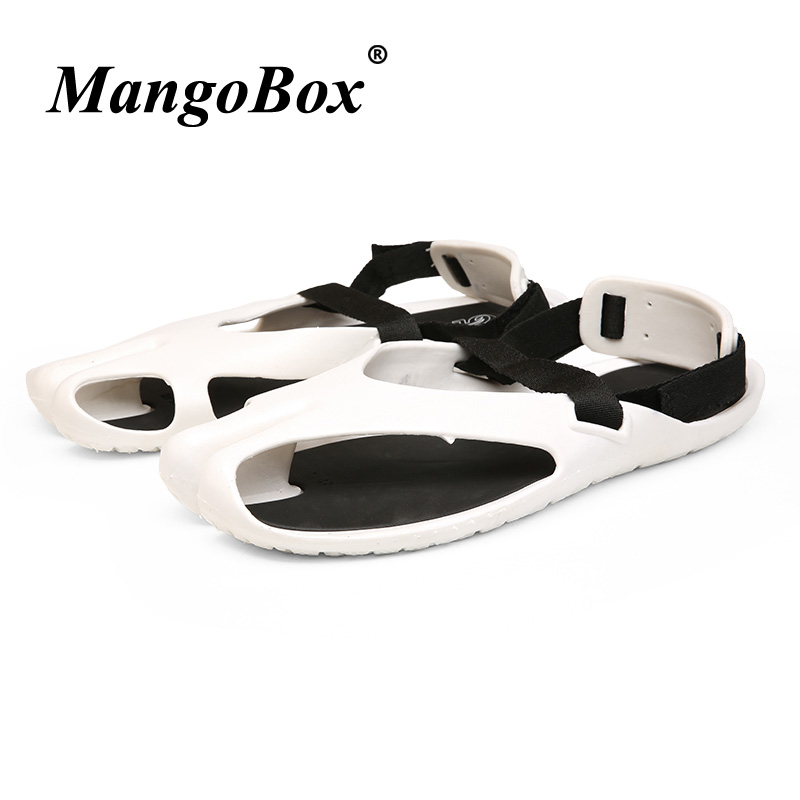 New Cool 2018 Beach Sandals For Men Black White Walking Sandals Soft Slippers Man Comfortable Casual Men Shoes Flats Sandals