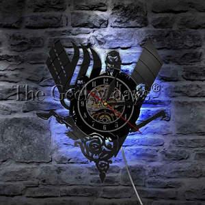 Image 1 - 1 חתיכה עתיקות הנורדית ויקינג בציר עיצוב מואר קיר שעון ויקינג לוחם נשק קרב גרזן בית תפאורה קיר אמנות LED מנורה