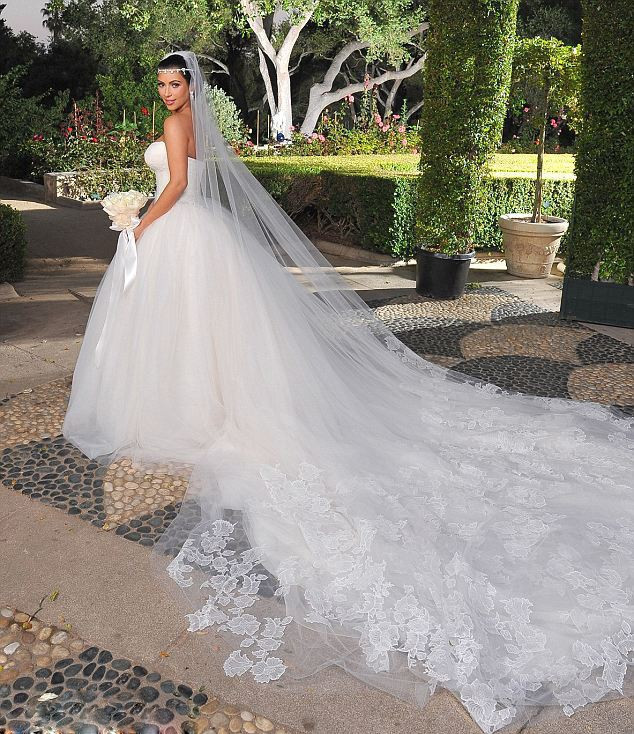 Long Wedding Dresses - Wedding Dress Ideas