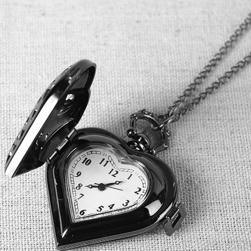 2018 New Fashion Silver Black Hollow Quartz Steampunk Heart Shaped Pocket Watch Women Man Necklace Pendant With Chain Gifts