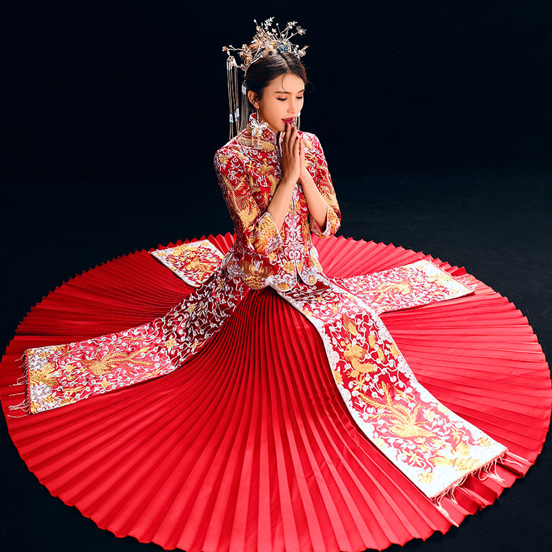 Classic Mandarin Collar Chinese Women Wedding Dress Elegant Dragon Phoenix Pleated Gowns Noble Full Length Lady Marriage Suit in Cheongsams from Novelty Special Use