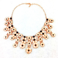 Women Fashion Sexy Statement Necklace Lucky Acrylic Exaggerated Big Pendant Necklac Personalize Chunky Coss Necklace Jewelry