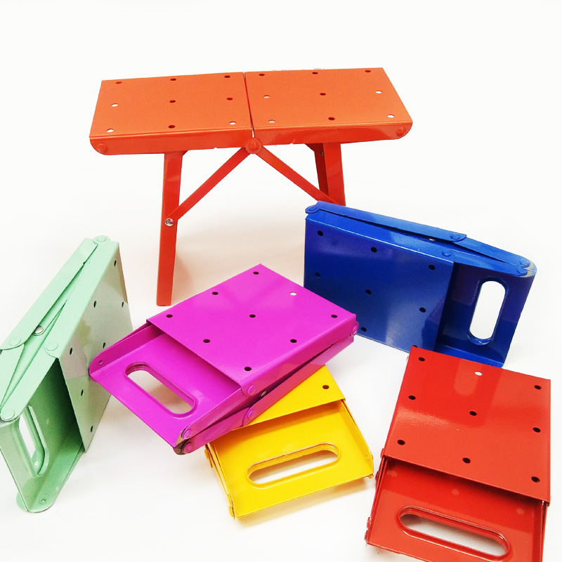 YN53 Usine prix Portable Enfants tabouret voyage métal tabourets pliants mini durable en plein air chaise de pêche 4 couleur dans Chaises de plage de Meubles
