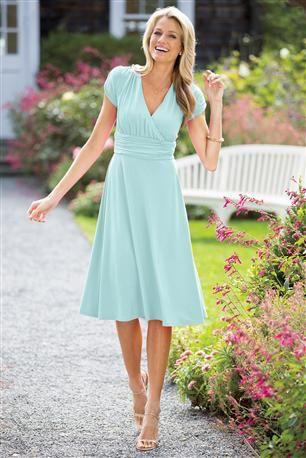 Robe de demoiselle d'honneur modeste à manches courtes longueur genoux bleu clair robe de soirée de mariage en mousseline de soie disponible livraison rapide