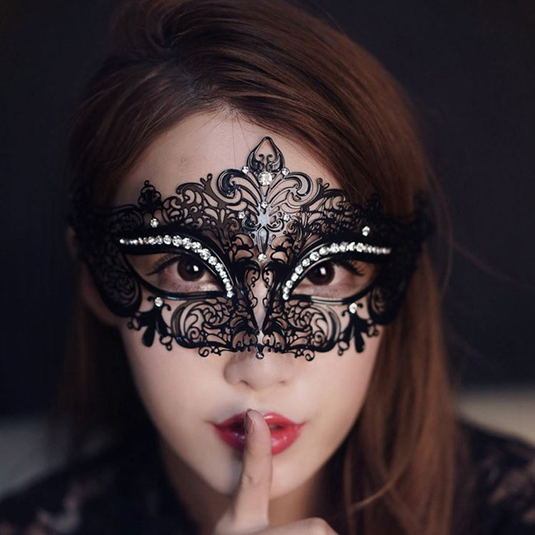 Nightclub Queen Black Sexy Adult Mask Mask Princess Half Face Mask Female Cos Party Sentiment Iron Mask