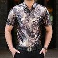 2016 de alto grado de los hombres de manga corta camisa de inflexión de terciopelo de flores retro camisa de manga corta