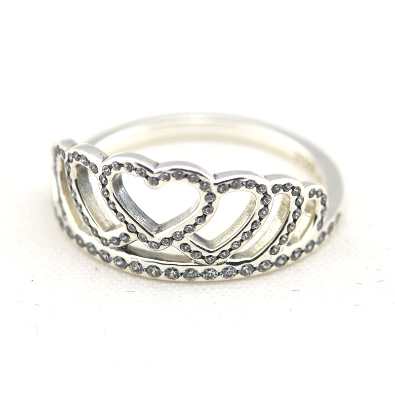 anello pandora a forma di corona