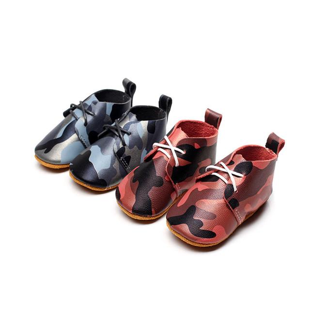 Nueva Moda Soft Sole Primeros Caminante Recién Nacido Bebé Chicas Chicos Camuflaje color de Cuero Genuino Con Cordones Mocasines Zapatos Del Niño