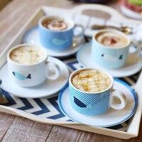 Современные Стиль рыбы печатных Кофе Чай комплект Керамика 4 Чашки 4 лотков 4 Набор ложек и поварёшек простой подарки для друга цена оптовой