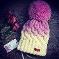 Buenos Ninos otoño tejer sombreros de invierno para las mujeres color mezclado patchwork de punto bola de la decoración de moda femenina casual de punto Tapas