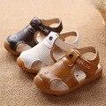 2017 niños del verano sandalia auge de nuevo tendón y inferiores suaves Sandalias del bebé del muchacho del niño Sandalias