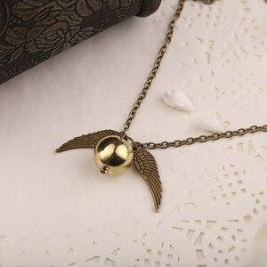 Image 4 - Golden Snitch Vòng Cổ Quidditch Bay Bóng Đồng Cổ Màu Bạc Cánh Mặt Dây Chuyền Phong Cách Khoa Học Viễn Tưởng, Phong Cách Vintage Trang Sức Nam Giá Sỉ