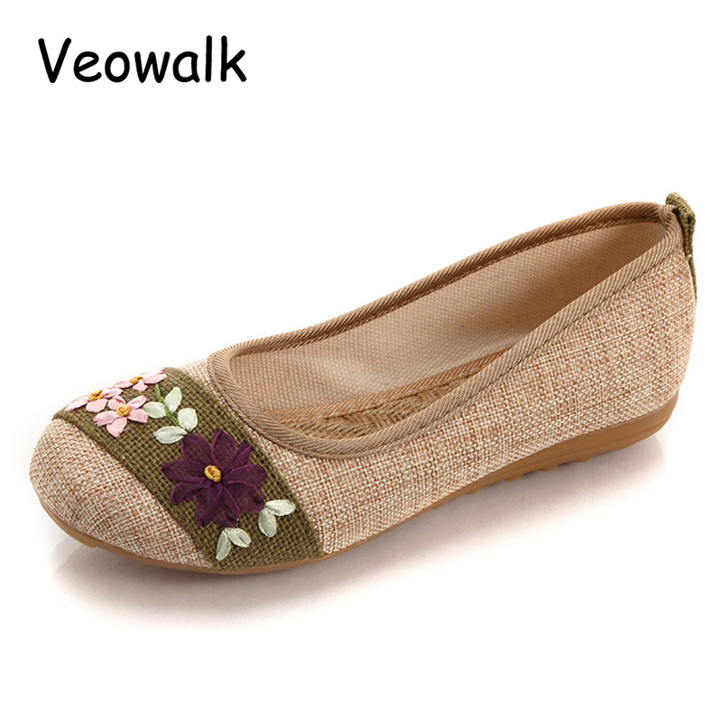 Veowalk New Flower Embroidered Women Breathable Flats Slip On Cotton Fabric Linen Comfortable Old Peking Ballerina Flat Shoes nk 1967 old peking women s shoes chinese flat heel breathable comfortable soft cotton fabric old women mother casual flat shoes