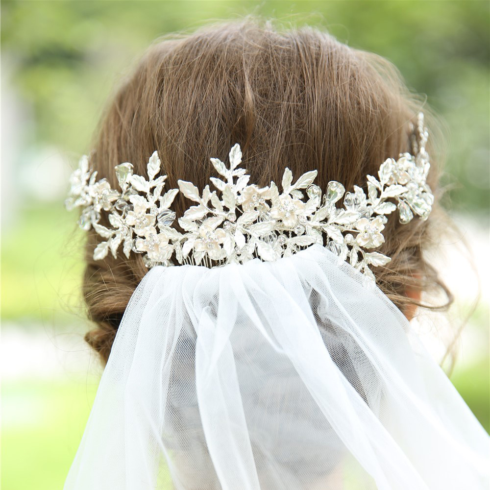 Floral Extravaganza Bridal Headpiece Handmade Romantic Wedding Hair Comb Beaded Leaves Hair Accessories For Brides 2019