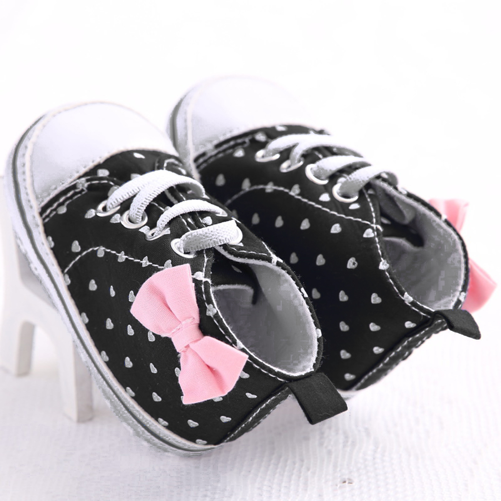 Baby Canvas Shoes Newborn Girls Soft Sole Heart Print Shoes Infant Toddler Canvas Sneaker First Walkers Baby Moccasins for 0-18M
