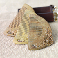 1PC Exquisite Peony Wood Comb Carving Authentic Natural Green Sandalwood Comb semi circular Hair Comb G0416
