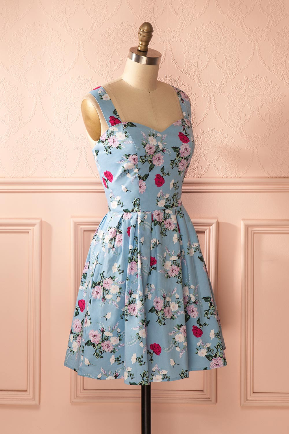 b2e910199c8 Lewande A Line Floral Print Short Homecoming Dress for Graduation College  Sweetheart Pleated Cute Bridesmaid Quinceanera Gown-in Bridesmaid Dresses  from ...