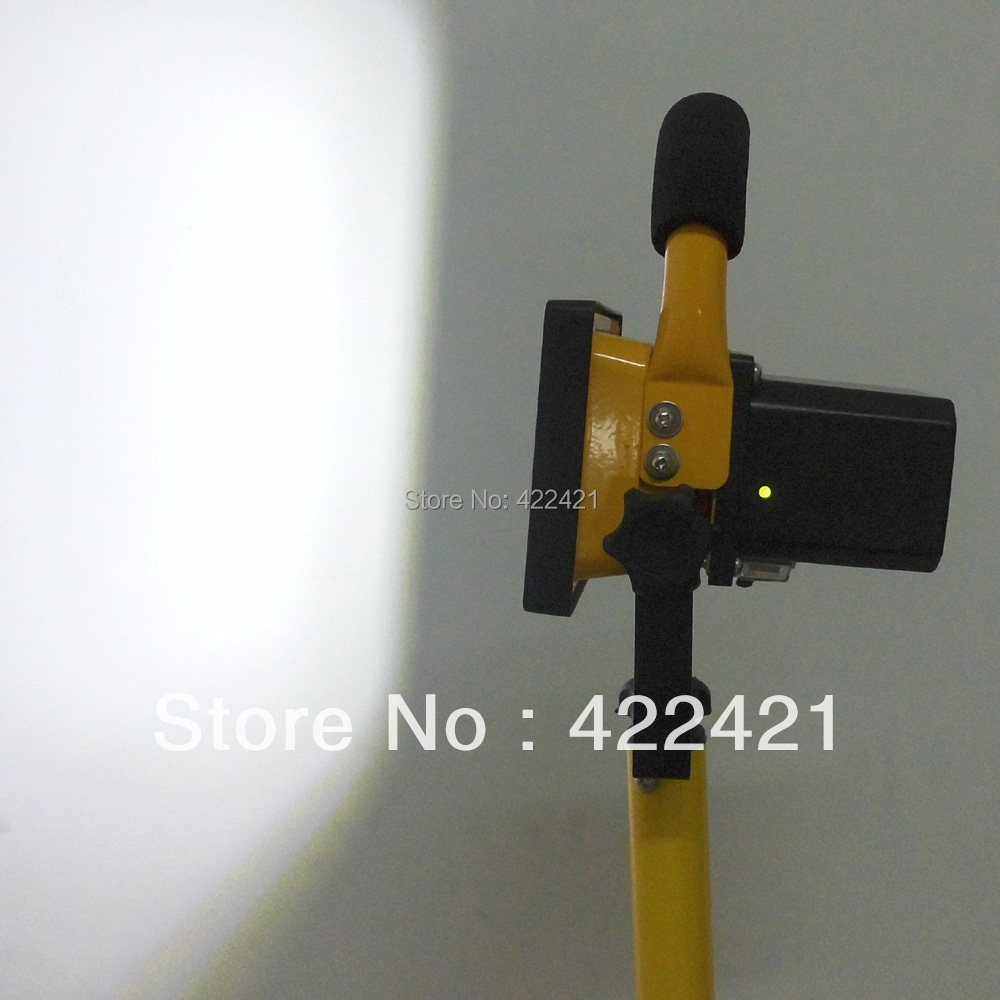 10W LED luz de inundación recargable luz exterior lámpara de la tienda al aire libre luz que acampa LED lámpara de la reparación del lavado de coches lámpara