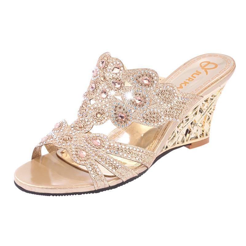 Обувь женские шлёпанцы Летние тапочки на танкетке со стразами женские сандалии-гладиаторы на высоком каблуке с открытым носком пляжные шле...