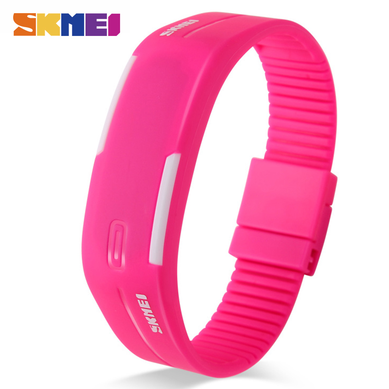 SKMEI Sports Watches Women Running Digital Watch Silicone Band Time Date Girls Ladies Wristwatches Relogio Feminino