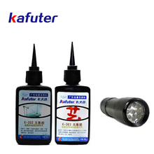 купить Hot Sale 50g kafute K-302/K-303 kafuter UV glue+portable UV flashlight uv curing adhesive Acrylic transparent plastic glass glue по цене 1348.34 рублей