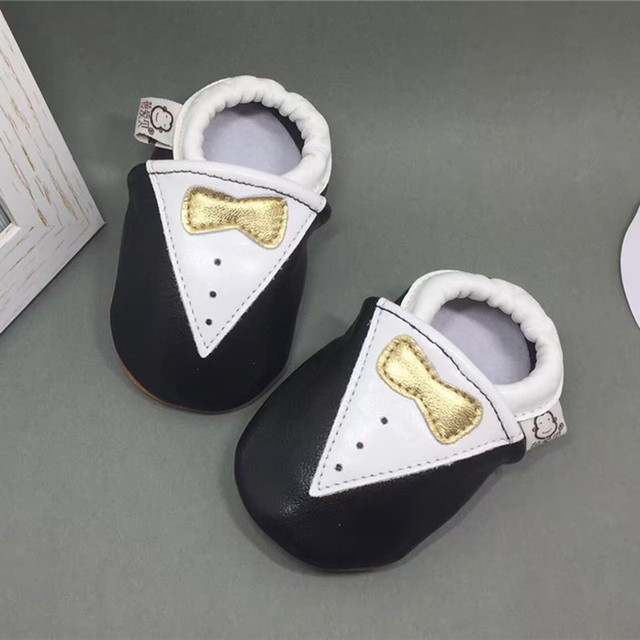 Character Slip-On Pram Shoes Younger Boys Gold Bow Baby Shoes Soft 100% Genuine Leather Breathable Toddler Moccasin Baby Slipper