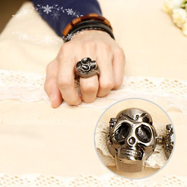 Retro Vintage Unisex Finger Skull Ring Watch Clamshell Case Watch Skeleton Jewel