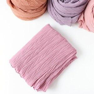 Image 3 - 教徒ヘッドスカーフしわソリッドカラー品質スカーフの女性の綿のしわラップバブルショール