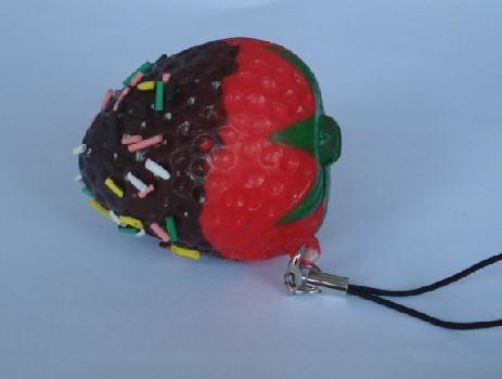 imágenes para Nuevo lindo de la fresa encanto blando / PU correa del teléfono móvil / venta al por mayor