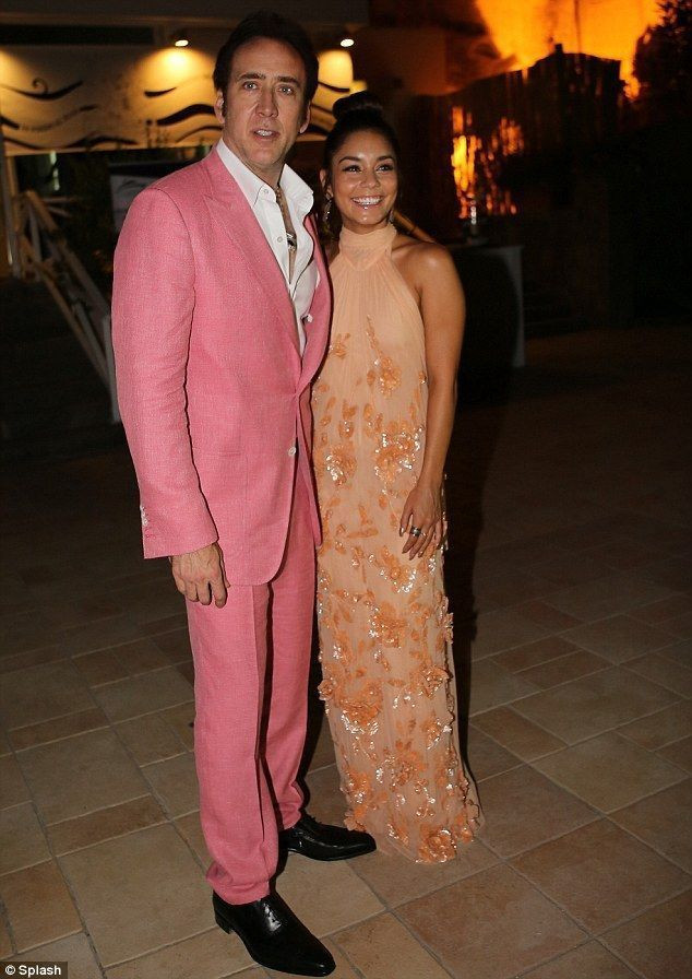 Latest Coat Pant Designs Coral Pink Linen Custom Groom Beach Men Suits 2 Pieces Red Carpet Tuxedo Slim Fit Terno Jacket+Pants JO