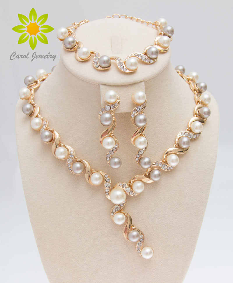Free Shipping,2017 Fashion Simulated Pearl Necklace Bracelet Earrings Sets Clear Crystal Gold Color Women Wedding Jewerly Sets