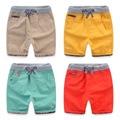 Alta Qualitiy Niños Pantalones Cortos de Algodón Ocasional Elástico de La Cintura del Lazo del Color Sólido Pantalones Cortos de Verano 2016 de la Marca Cortocircuitos de Los Niños