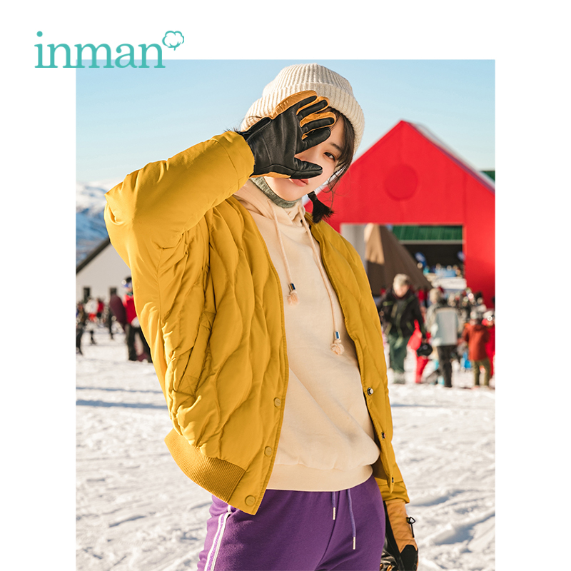 INMAN Winter New Arrival V Neck Plaid Pattern Matched Scarf Women Bread Like Short   Down     Coat