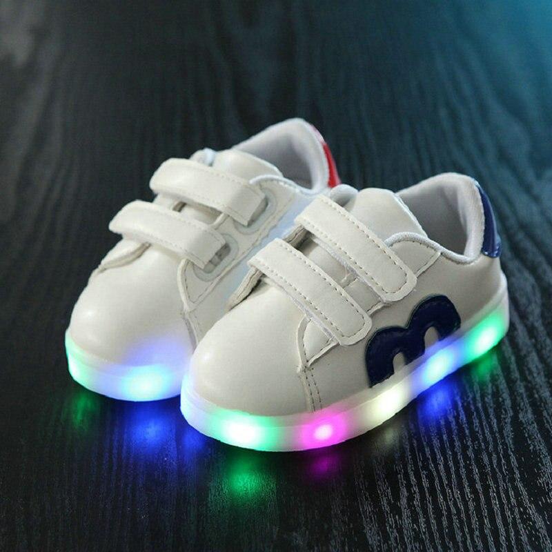 2017 Діти світлодіодні кросівки весна бренд світлодіодні світлодіодні хлопчики дівчаток повсякденне взуття для дитячого взуття зі світлим розміром 21-30  t