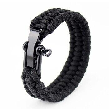 Bracelet en paracorde avec manille de réglage